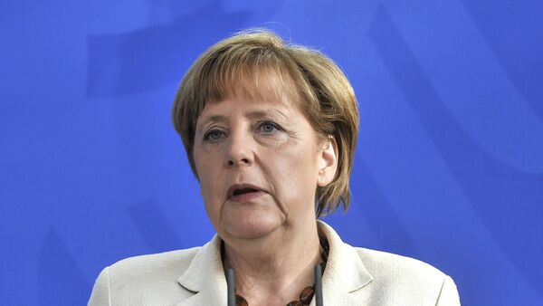 Меркелова ће, како је најављивано, директно по повратку из Москве говорити на овом скупу, а њен говор се, истичу аналитичари, очекује са великим нестрпљењем. - Sputnik Србија