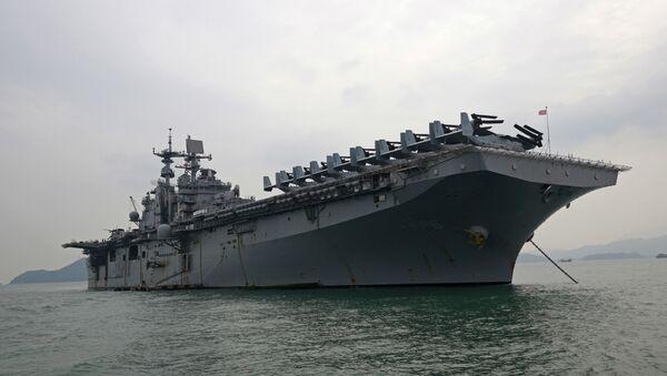 The U.S. destroyer USS Bonhomme Richard is anchored during its port call in the Hong Kong - Sputnik Srbija
