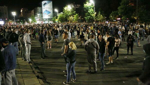 Протести испред Скупштине у Београду - Sputnik Србија