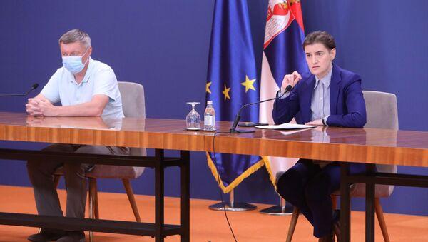 Premijerka Ana Brnabić na konferenciji za novinare Kriznog štaba - Sputnik Srbija