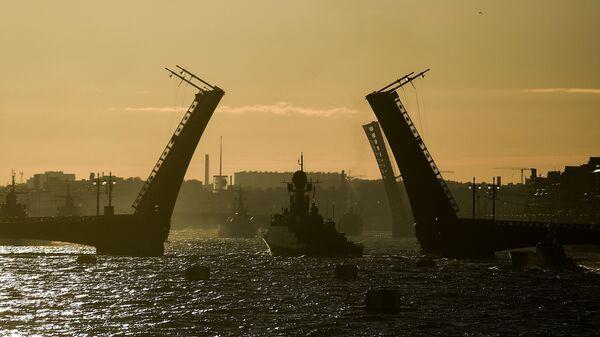 Brodovi pomorske flote Rusije na probi parade za Dan ruske mornarice u Sankt Peterburgu - Sputnik Srbija