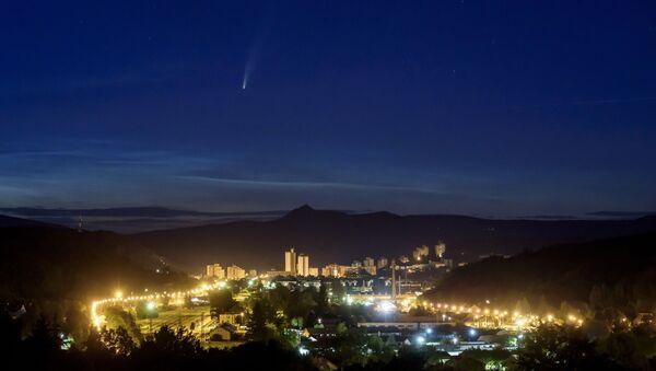 Kometa Neovajs nad Mađarskom - Sputnik Srbija