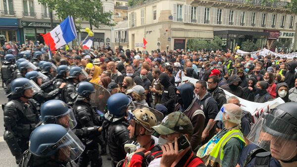 Антивладини протести у Паризу - Sputnik Србија