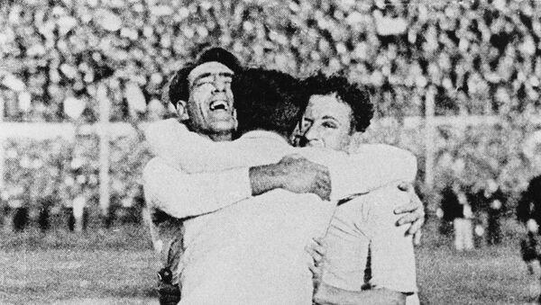 Urugvajci slave trijumf na SP u fudbalu 1930 - Sputnik Srbija