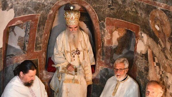 Mitropolit Amfilohije u crkvi u Bijeloj kod Herceg Novog - Sputnik Srbija