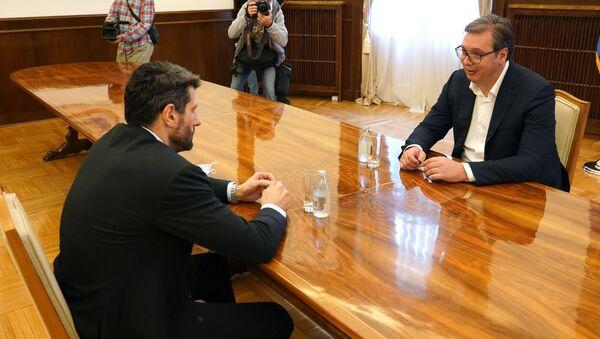 Председник Србије Александар Вучић и лидер СПАС-а Александар Шапић - Sputnik Србија