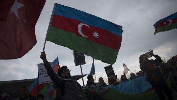 Rat na ulicama Londona: Opšte tuča Jermena i Azerbajdžanaca /video/ - Sputnik Srbija