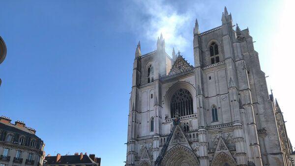 Пожар у катедрали у Нанту - Sputnik Србија