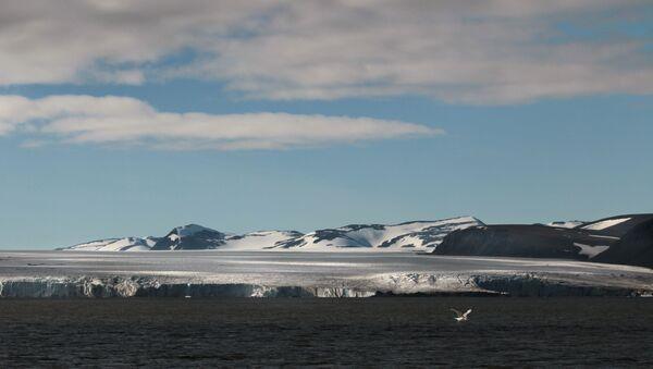 Ледник Срп и Чекић у архипелагу Нова Земља - Sputnik Србија