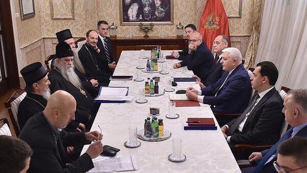 Pregovori Vlade i Mitropolije o spornom zakonu - Sputnik Srbija