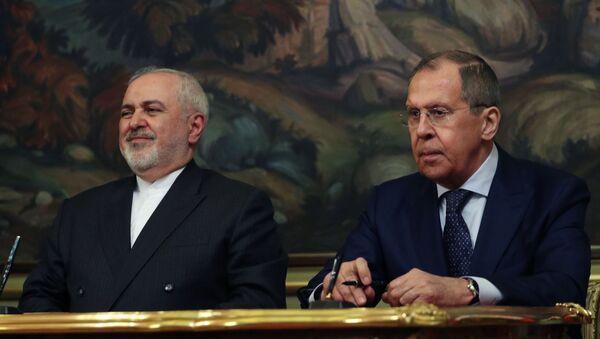 Ministri spoljnih poslova Irana i Rusije, Muhamed Džavad Zarif i Sergej Lavrov - Sputnik Srbija