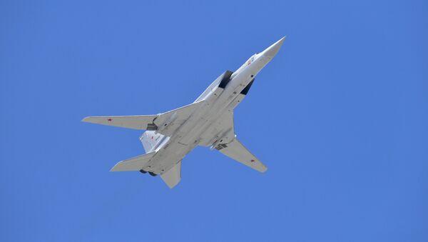 Суперсонични бомбардер носач ракета дугог домета Ту-22М3  - Sputnik Србија