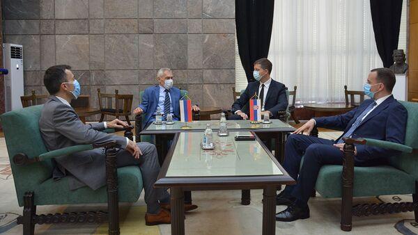 Sastanak ambasadora Rusije Aleksandra Bocana-Harčenka i direktora kancelarije za KiM Marka Đurića  - Sputnik Srbija