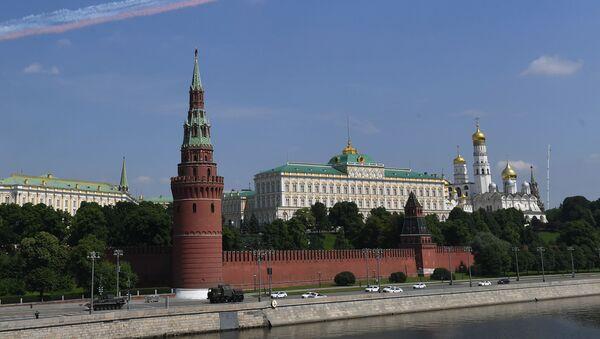 Jurišni avioni Su-25 lete iznad Kremlja na generalnoj probi Parade pobede u Moskvi - Sputnik Srbija