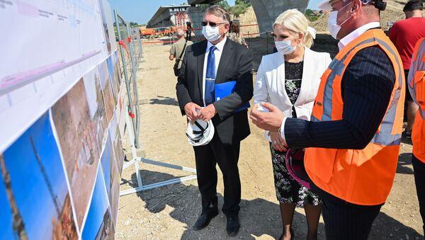 Министарка Зорана Михајловић на градилишту изградње железничког вијадукта - Sputnik Србија