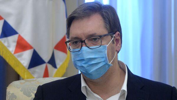 Александар Вучић са маском - Sputnik Србија