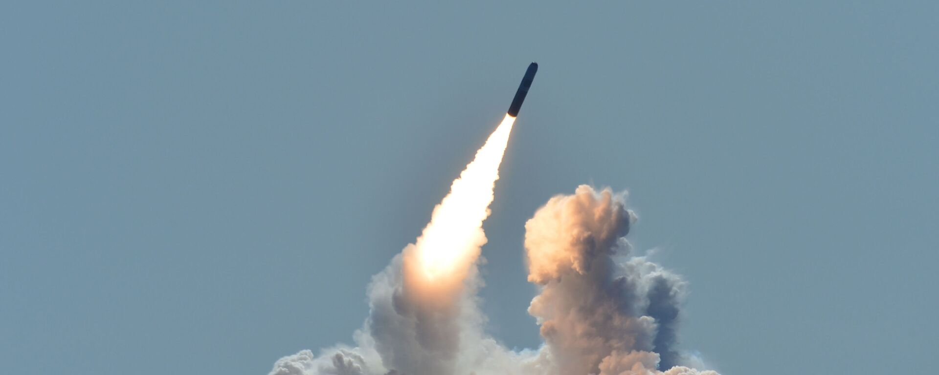 Lansiranje rakete Trajdent II D5 sa američke podmornice Nebraska nedaleko od obale Kalifornije - Sputnik Srbija, 1920, 30.08.2021