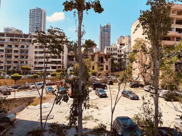 Кипарске телевизије су пренеле да се звук експлозије чуо до главног града Кипра, Никозије. Раздаљина између два града је 250 километара. - Sputnik Србија
