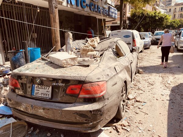 Људи који су били на улицама у тренутку експлозије били су погурани од силине експлозије. - Sputnik Србија