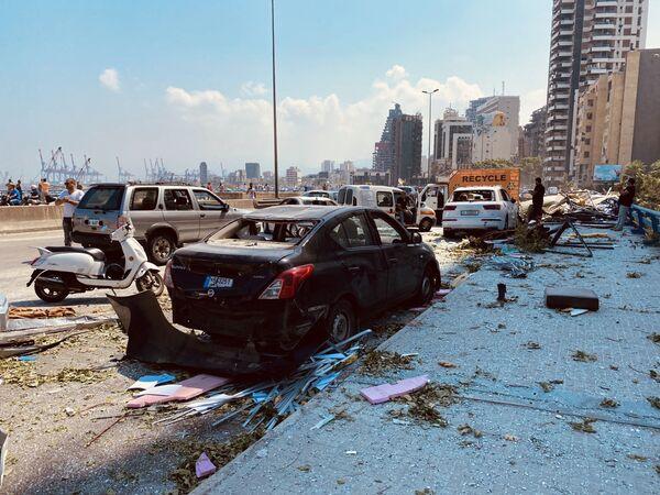 Детонација је уништила или оштетила неколико десетина зграда и аутомобила, а у многим деловима града су разбијени прозори на зградама. - Sputnik Србија