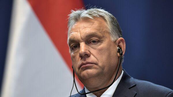 Orban: Migranti koji hrle u Mađarsku su opasnost po zdravlje i svojevrsna biološka pretnja - Sputnik Srbija