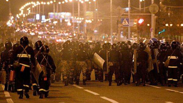 Policija na protestima u Minsku - Sputnik Srbija