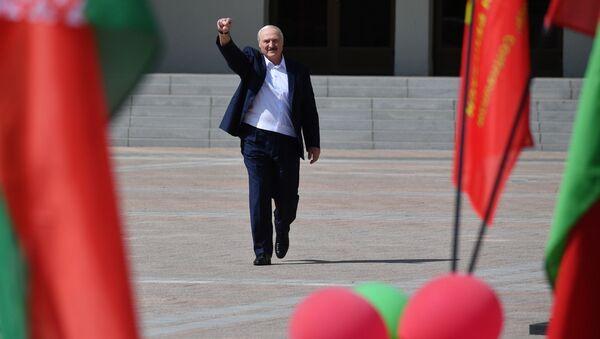 Predsednik Belorusije Aleksandar Lukašenko na mitingu u Minsku - Sputnik Srbija