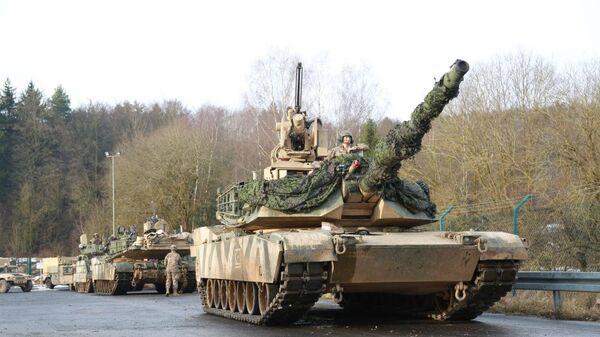 Američki tenkovi M1A1 Abrams na vojnoj vežbi snaga NATO-a u Evropi - Sputnik Srbija