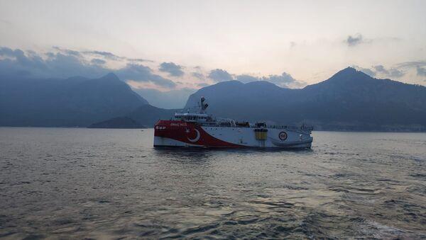 Turski brod za seizmička ispitivanja Oruč reis na Sredozemnom moru - Sputnik Srbija