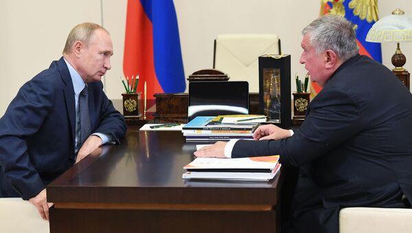 Владимир Путин и Игор Сечин - Sputnik Србија