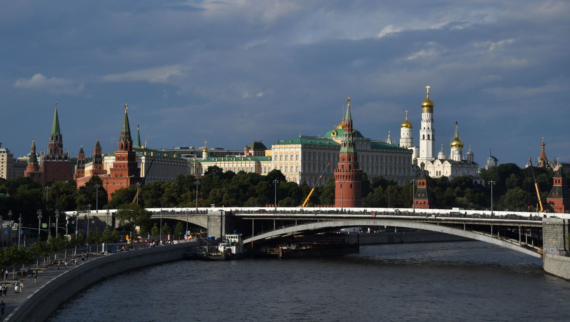 Поглед на Камени мост и Кремљ у Москви - Sputnik Србија, 1920, 05.04.2021