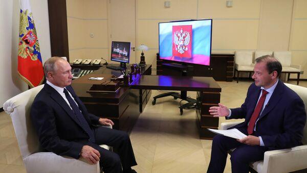 Putin: Pik problema u privredi prevaziđen - Sputnik Srbija
