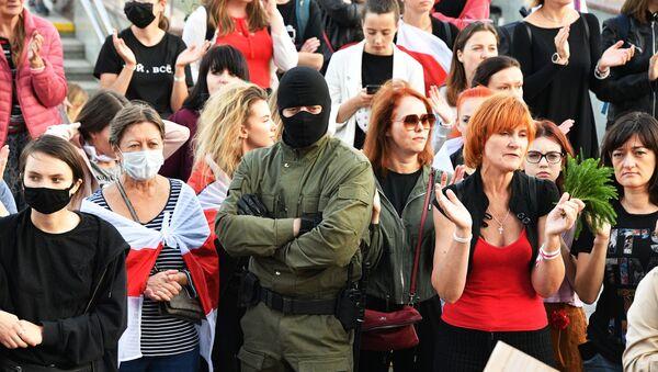 Белоруска полиција: Од 34 приведених студената - 25 пуштено - Sputnik Србија