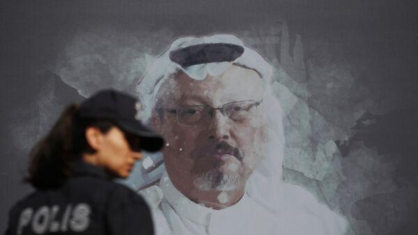 Мурал са портретом саудијског новинара Џамала Хашогија у Истанбулу - Sputnik Србија