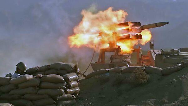 Ирански војници на војним вежбама Зулфикар 99 у Оманском заливу.   - Sputnik Србија