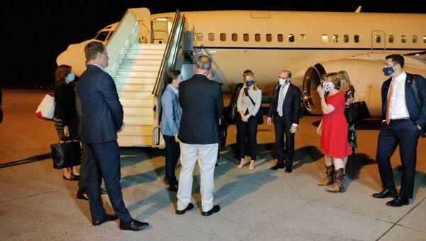 Doček američke delegacije na čelu sa Ričardom Grenelom na beogradskom aerodromu - Sputnik Srbija