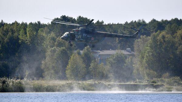 Helikopter Mi-8 na vojnim vežbama Slovensko bratstvo 2020 - Sputnik Srbija