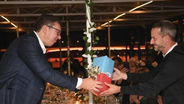 Размена поклона двеју делегација - Sputnik Србија