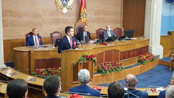 "Lider koalicije ""Mir je naša nacija"" i predsednik Demokratske Crne Gore Aleksa Bečić izabran je za predsednika Skupštine Crne Gore. - Sputnik Srbija"