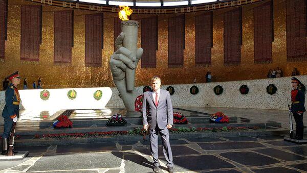 Lazanski položio cveće na spomen obeležje herojima Staljingrada - Sputnik Srbija
