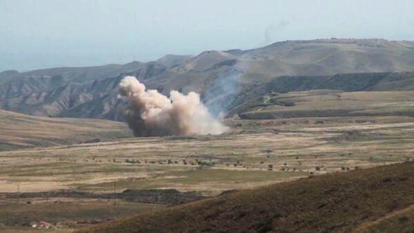 Jerevan: Azerbejdžanska vojska nastavlja sa artiljerijskom paljbom - Sputnik Srbija
