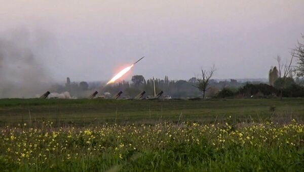 Ракетни системи Град азербејџанских оружаних снага  - Sputnik Србија