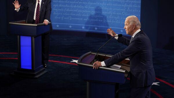 Доналд Трамп и Џо Бајден у предизборној дебати - Sputnik Србија