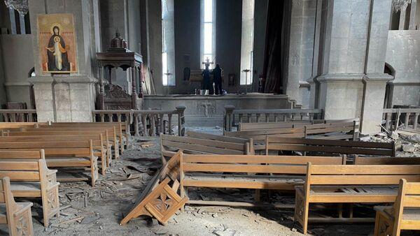 Црква Светог Христа Спаситеља разрушена у гранатирању града Шуши у Нагорно-Карабаху - Sputnik Србија