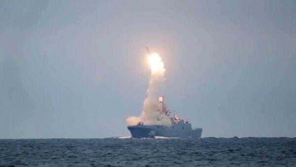 Lansiranje hipersonične krstareće rakete Cirkon sa fregate Admiral Gorškov na Belom moru - Sputnik Srbija