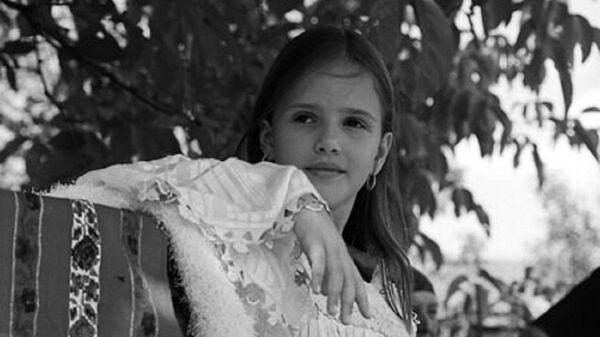 Devojčica u narodnoj nošnji - Sputnik Srbija