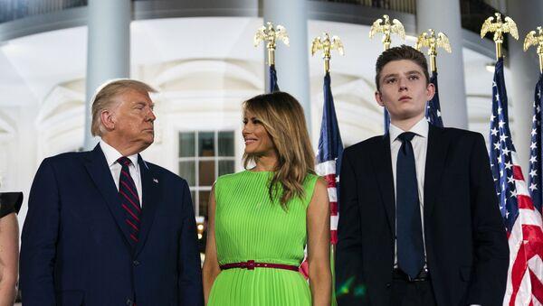 Donald i Melanija Tramp sa sinom Baronom - Sputnik Srbija