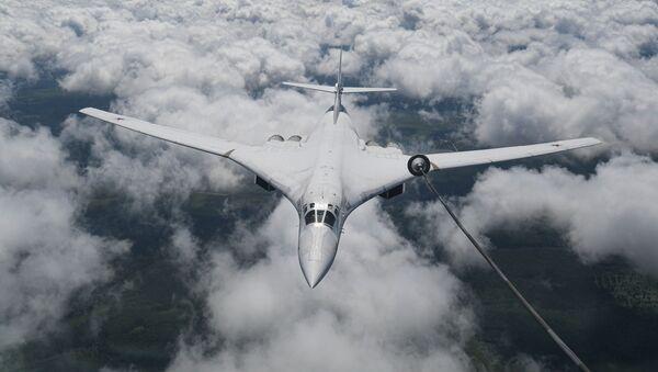 Strateški bombarder nosač-raketa Tu-160 - Sputnik Srbija