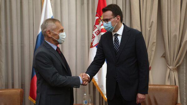 Ambasador Rusije u Srbiji Aleksandar Bocan-Harčenko i direktor Kancelarije za Kosovo i Metohiju Petar Petković - Sputnik Srbija