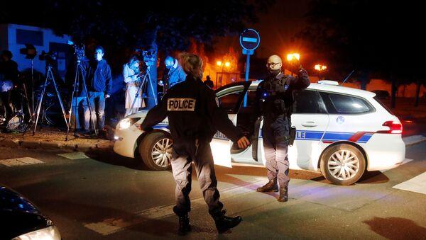 Француска полиција на месту убиства у предграђу Париза - Sputnik Србија